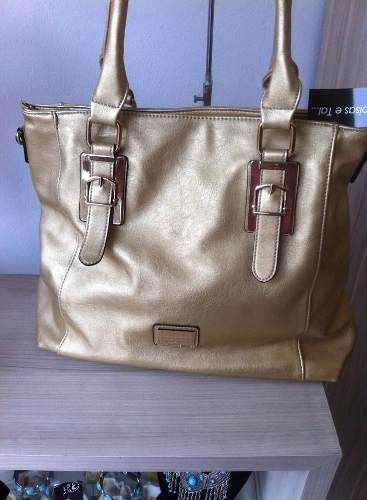 8ec144645 Bolsa Feminina Dourada Gold Leather - R$ 129,90   brincos colares ...