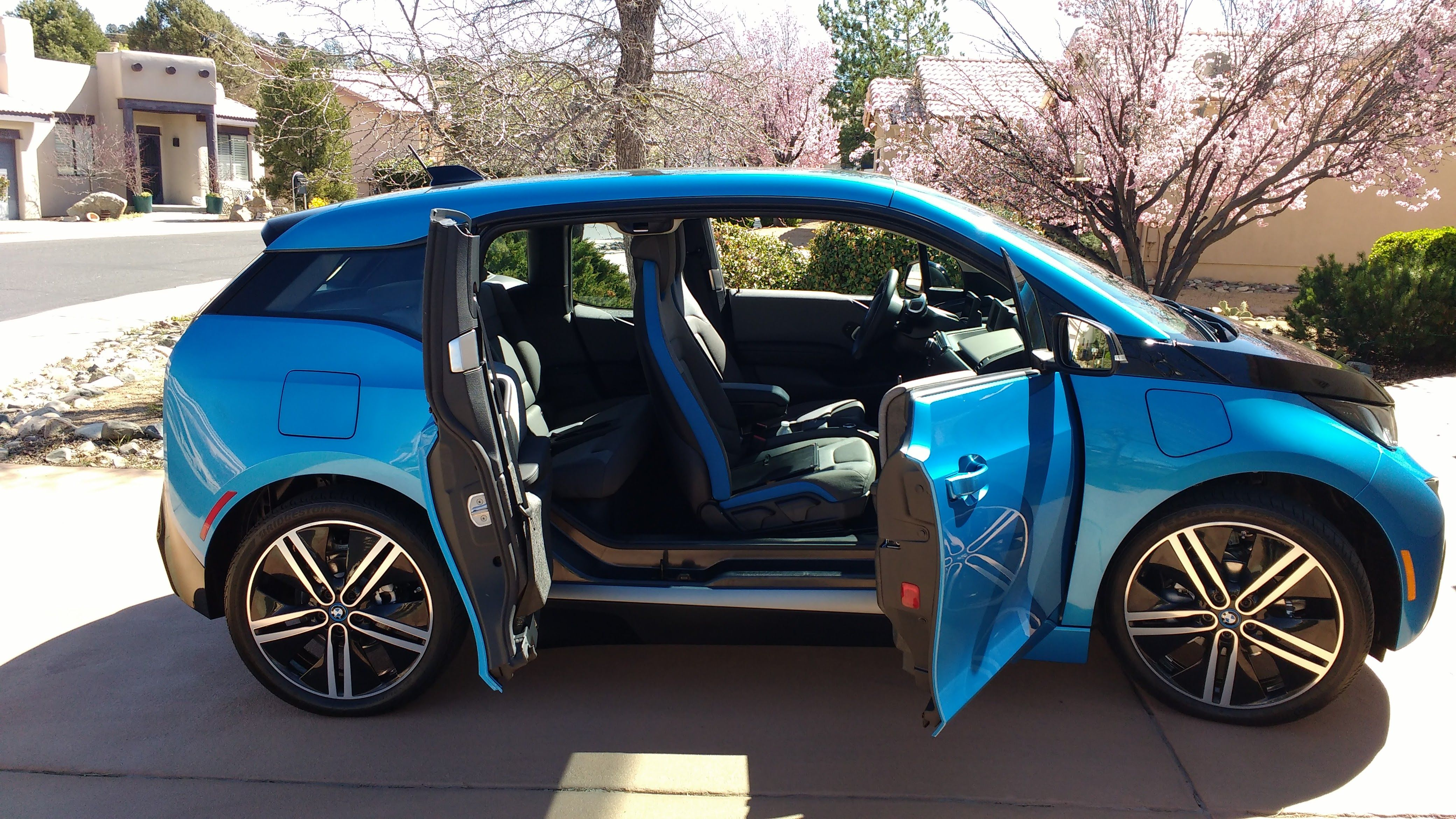 2017 bmw i3 rex showing doors and access to back seat. Black Bedroom Furniture Sets. Home Design Ideas