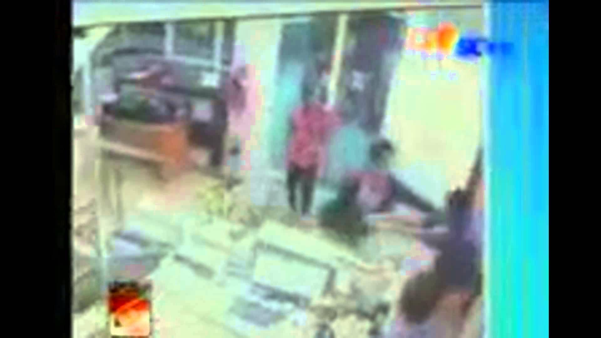 Pembunuhan Hilarius Diva penjaga counter HP disemarang:CCTV