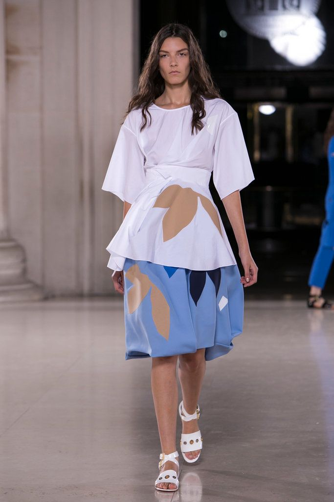 A look from the Jonathan Saunders Spring 2015 RTW collection.