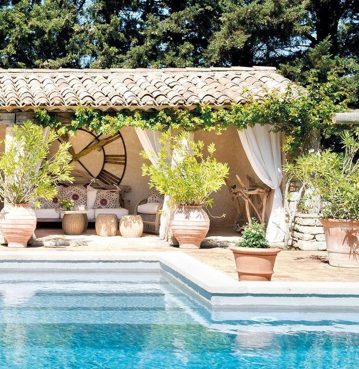 Traditional Garden With Pool: ΠΕΤΡΟΧΤΙΣΤΗ ΒΙΛΑ ΣΤΗ ΓΑΛΛΙΑ