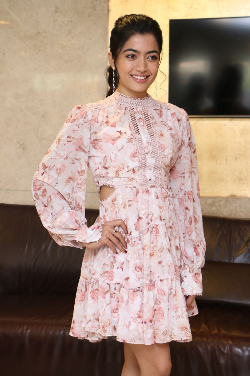 Rashmika Mandanna At Bheeshma Movie Success Meet In 2020 Short Dresses Dresses Dresses With Sleeves