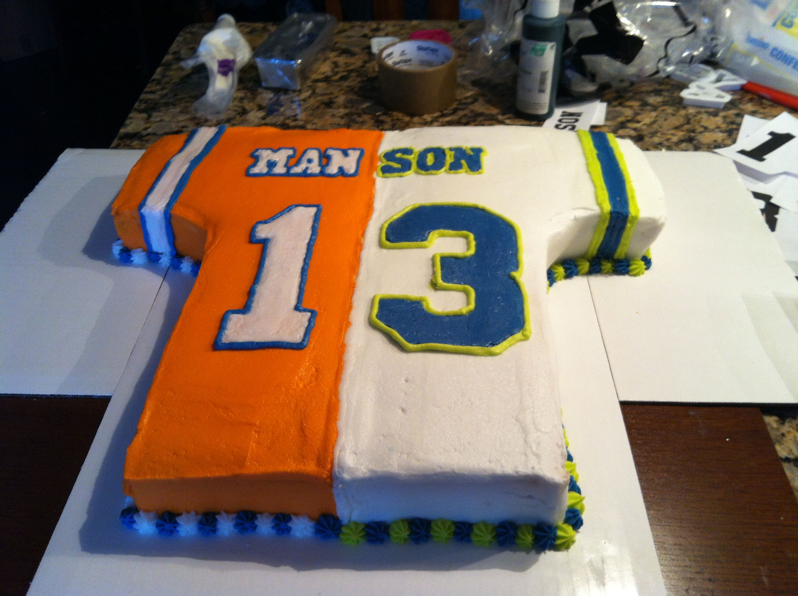 separation shoes 1a0eb e66e7 Super Bowl cake. Jersey with half Denver Broncos Peyton ...