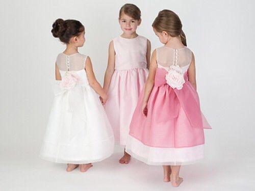 Sposa in rosa...e le damigelle?....ecco qualche idea.... Www.tosettisposa.it Www.alessandrotosetti.com #wedding #weddingdress #tosetti #tosettisposa #nozze #bride #alessandrotosetti