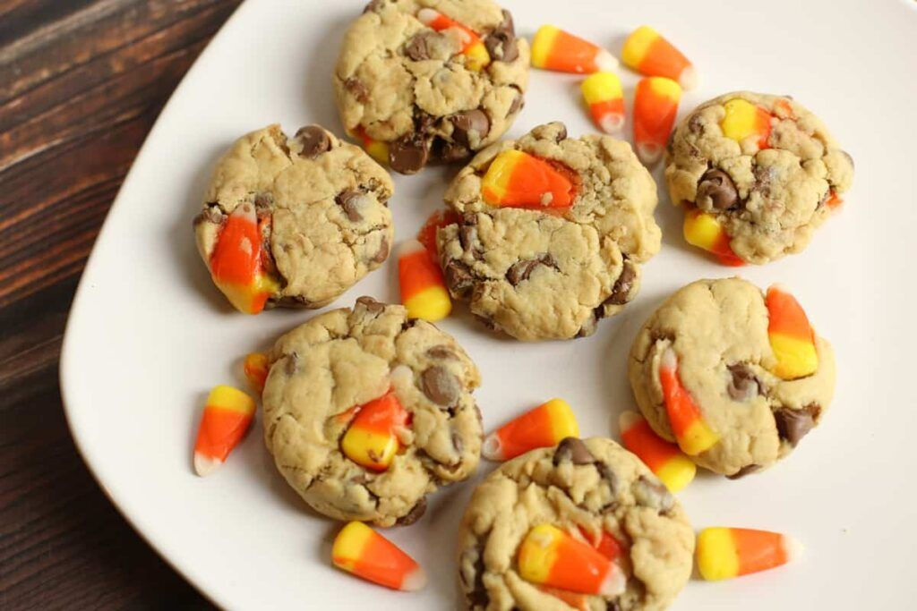 These Chocolate Chip Candy Corn Cookies are perfect for Halloween