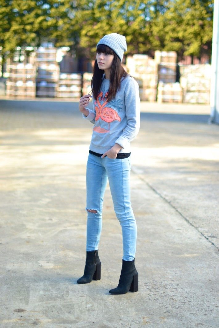 outfit acne tess boots flamingo sweater jeans