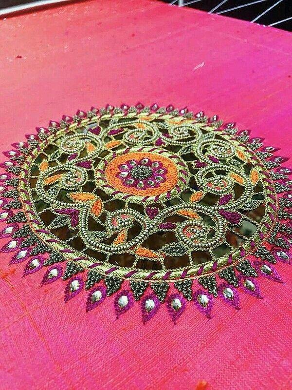 Pin de Almeena en Embroidery N Aari Work   Pinterest
