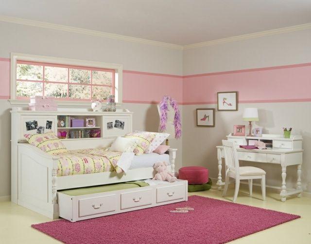 Chambre D`enfant En Couleur Rose Pour Une Petite Princesse