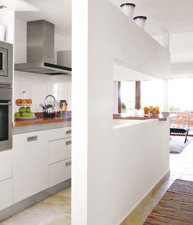 Ideas cocinas estrechas buscar con google cocinas for Cocinas abiertas al comedor