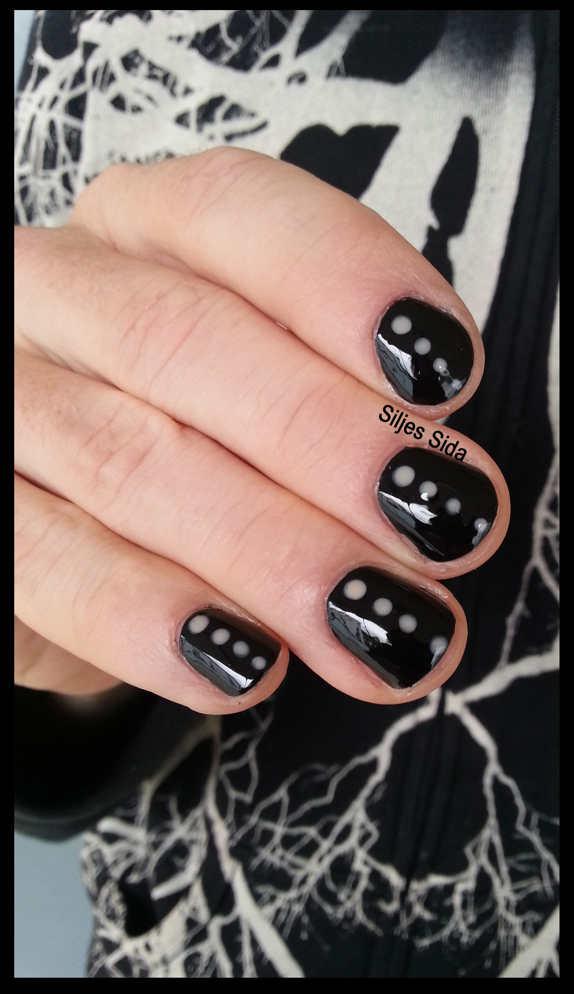 Simple nail art on men, OPI Lady in black and dotts with OPI Samoan ...
