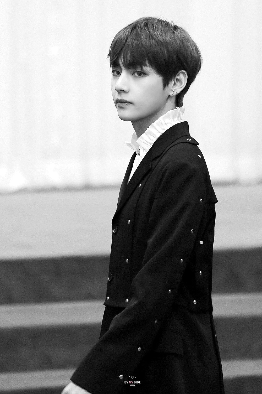 Kim taehyung iphone wallpaper tumblr - Bangtan Tumblr Omg Can A Person Be Even More Beautiful Than Him