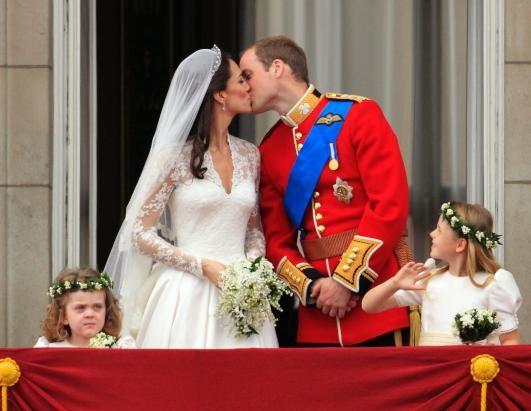 The Royal Kiss!