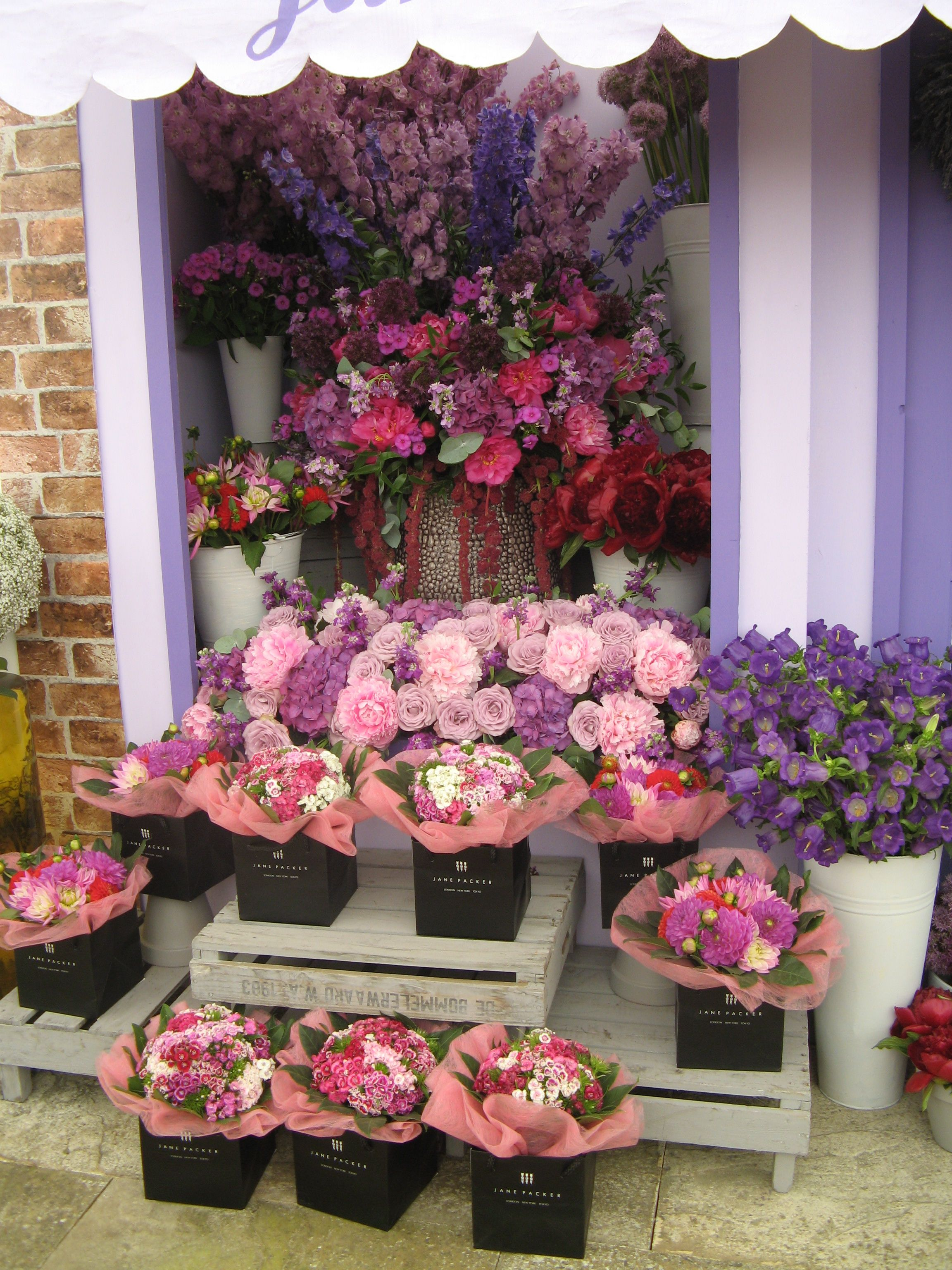 Vintage flower shop display by Jenny Packham Hampton Court Flower Show Ph