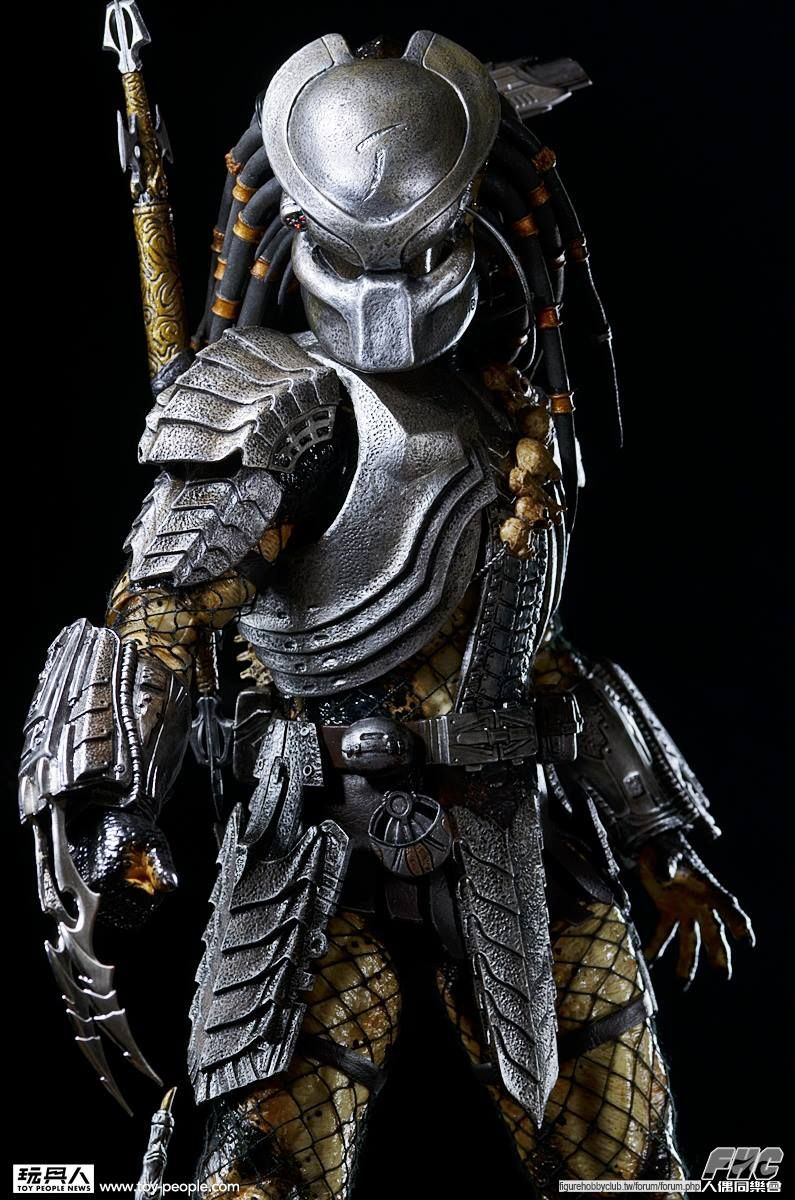 Awesome cosplay from the Predator movies and Alien vs Predator ...