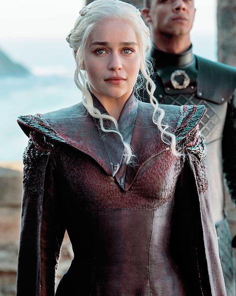 22528421 883931785089654 9207132352399034820 N Png 476 597 Game Of Thrones Costumes Danerys Targaryen Daenerys Targaryen