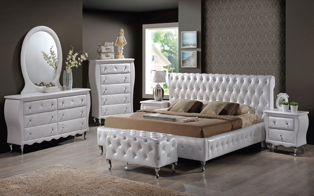 los angeles | lori's dream houses | white leather bed