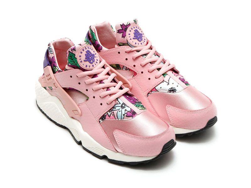 pink nike huarache shoes