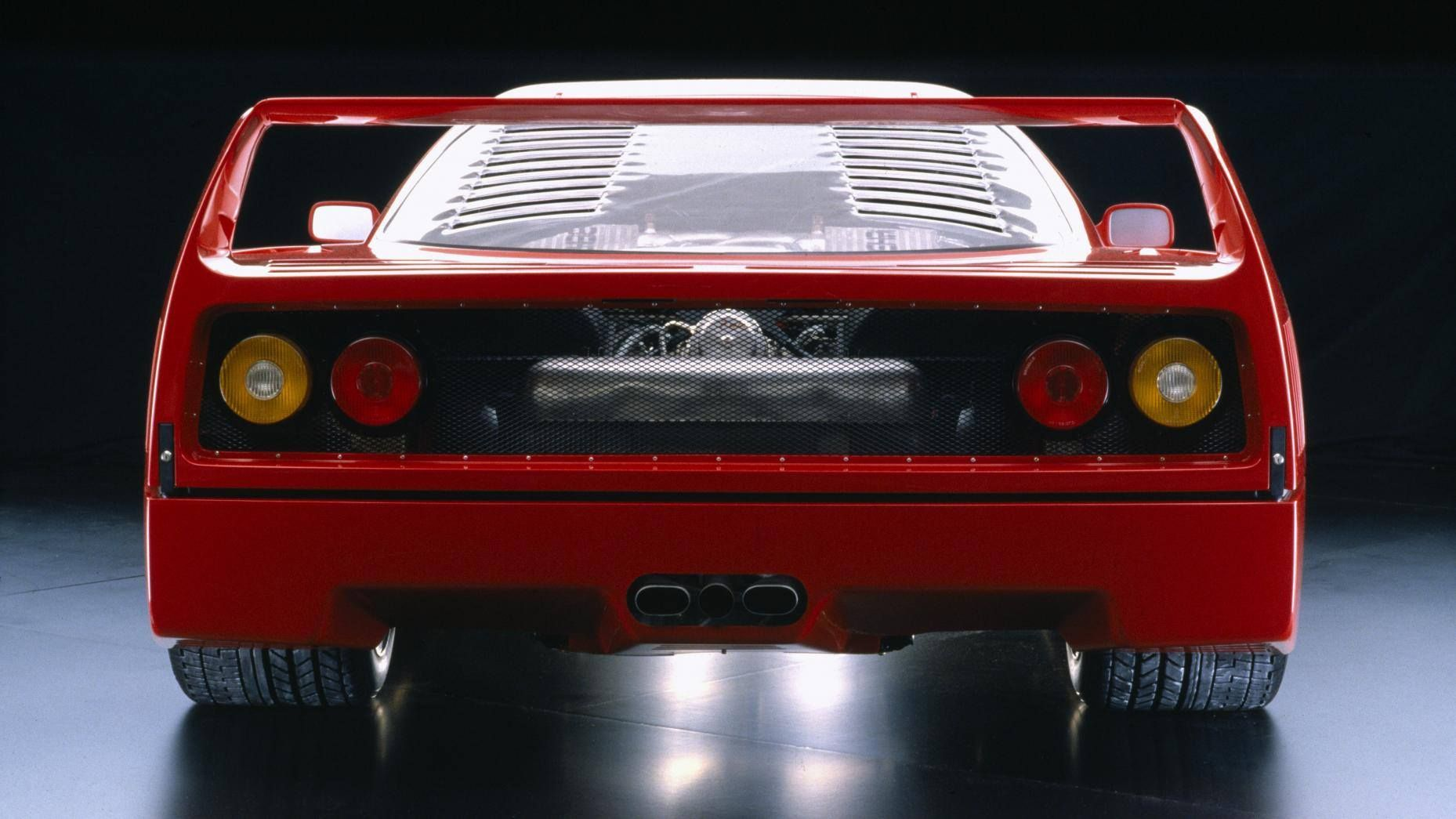 Celebrate the F40\'s 30th birthday with tales from the men who made ...