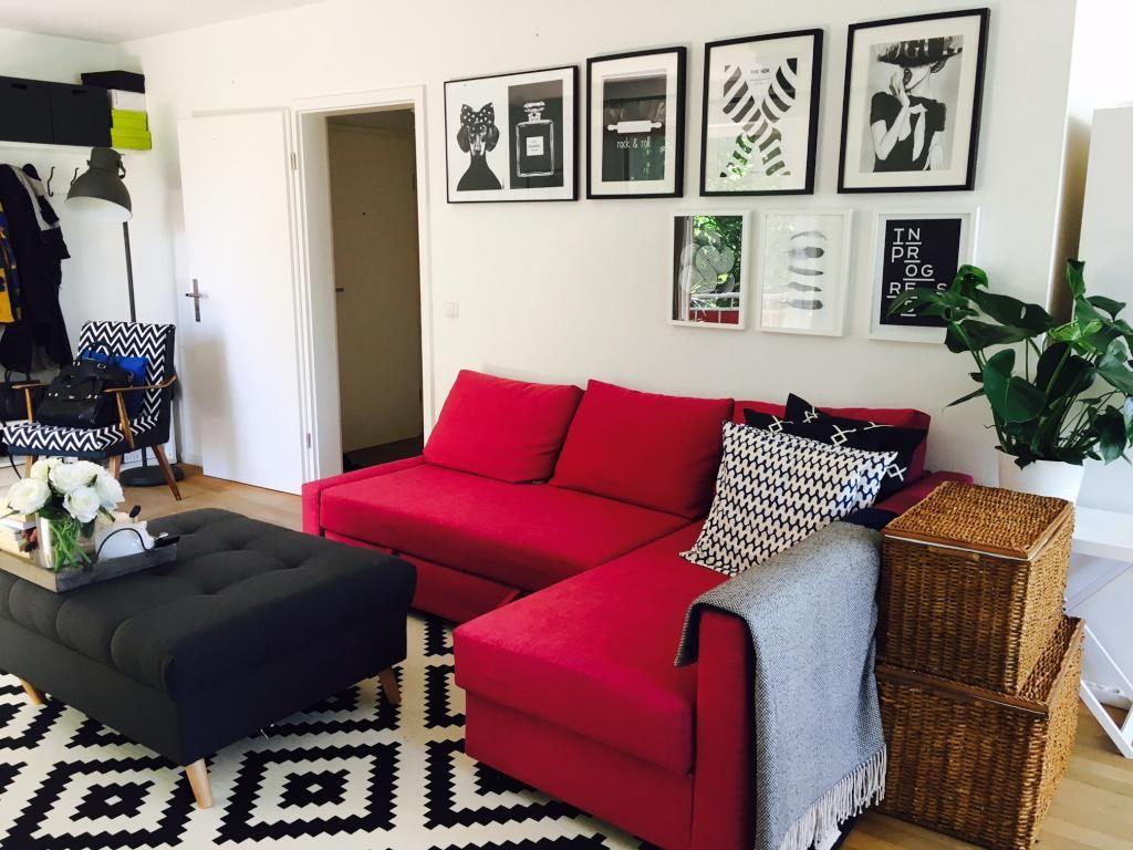 Amüsant Wohnzimmereinrichtung Sammlung Von Rotes Ecksofa In Einem Schwarz-weiß-stilischen Wohnzimmer. #wohnzimmer