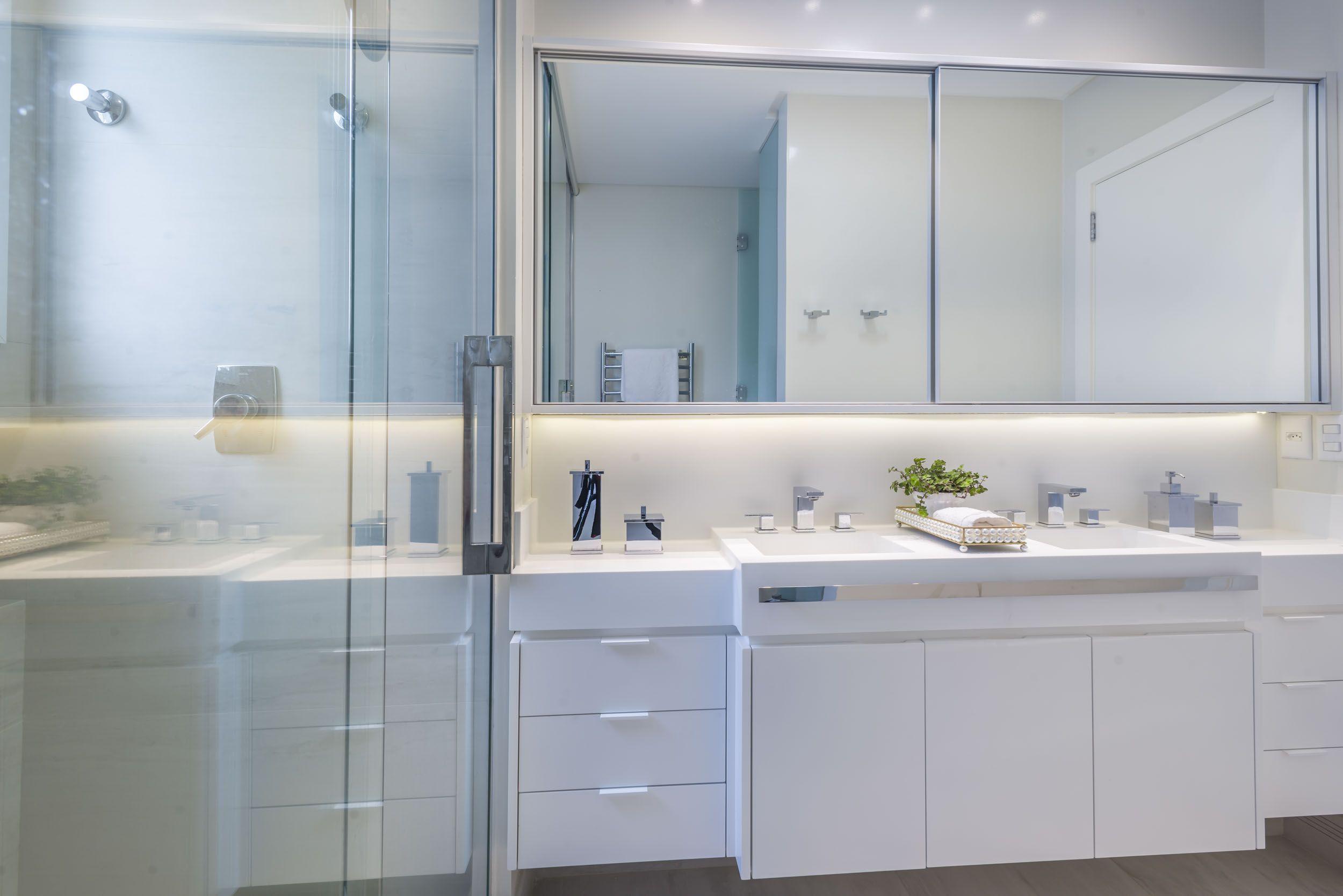 Resultado De Imagem Para Movel De Banheiro Com Portas Aluminio Moveis Para Banheiro Porta De Espelho Porta De Aluminio