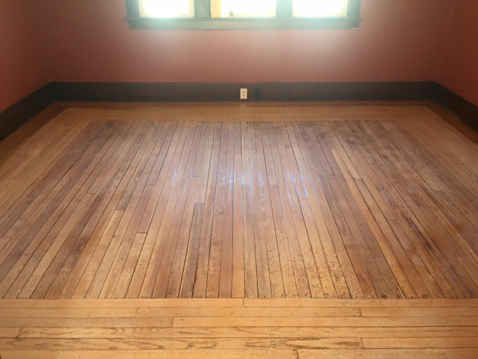 self-installed pallet interior floor | Pallet floors, Wood ...