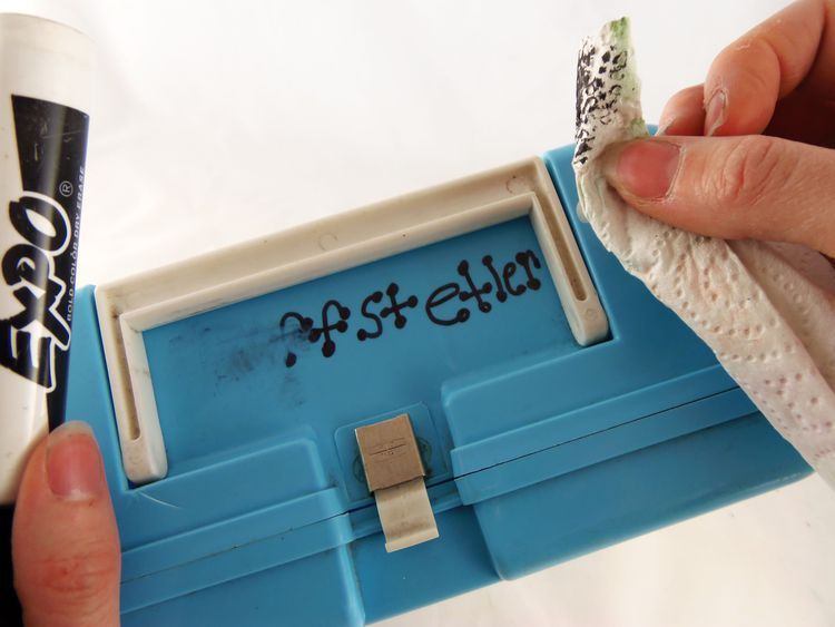 Easy ways to remove permanent marker from plastics so