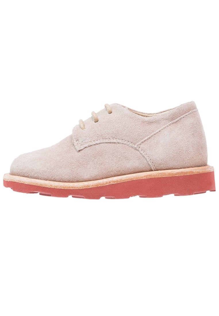 ¡Consigue este tipo de zapatos con cordones de Young Soles ahora! Haz clic para ver los detalles. Envíos gratis a toda España. Young Soles ALFIE  Zapatos de vestir stone/brick: Young Soles ALFIE  Zapatos de vestir stone/brick Ofertas   | Material exterior: cuero velour, Material interior: piel, Suela: fibra sintética, Plantilla: cuero | Ofertas ¡Haz tu pedido   y disfruta de gastos de enví-o gratuitos! (zapatos con cordones, vestir, acordonado, acordonados, cordón, blucher, oxford, tra...