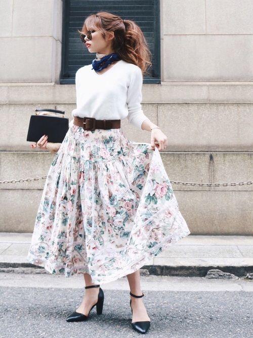 Vintage rose skirt  Madder vintageオンラインショップは インスタから⬇︎  Instagram@117akane  Shop instagram@madder_vintage