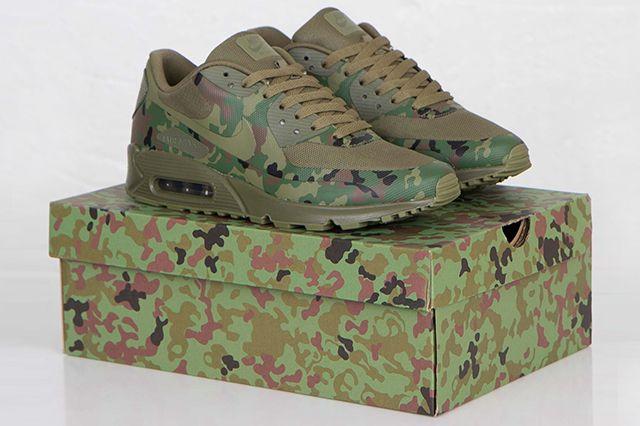 nike air max 90 & air max 95 japan camouflage background