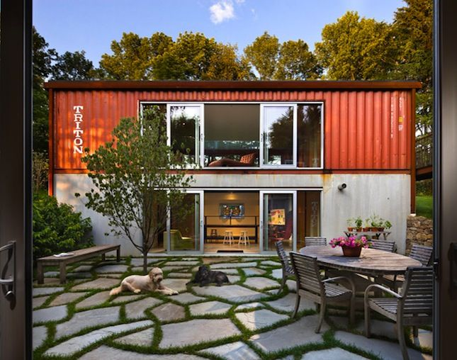 20 Chic Homes Made Out Of Shipping Containers