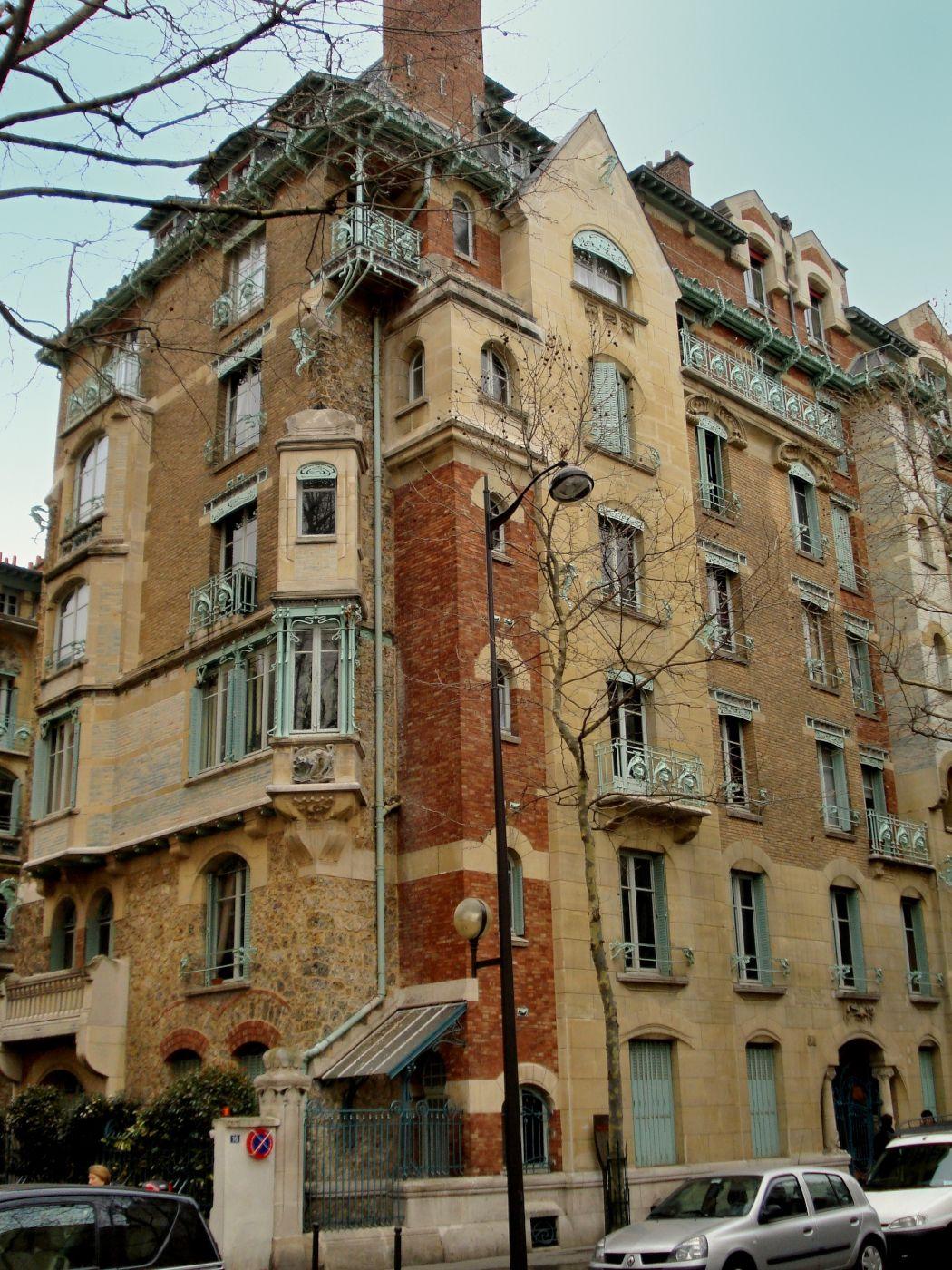 Castel Béranger, apartment building, by Hector Guimard