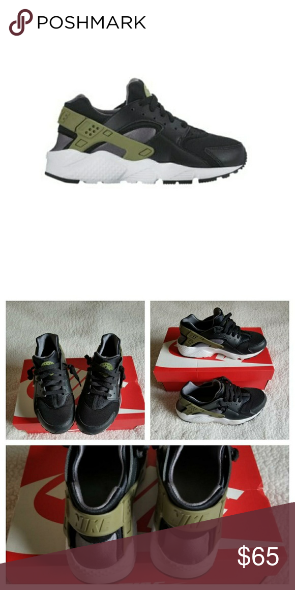 66a650f7cc Nike Huarache Youth Size 7 Youth Size 7 which is equivalent to a women 8 or  8.5. Black color with olive olive hardware. Excellent Used Condition.