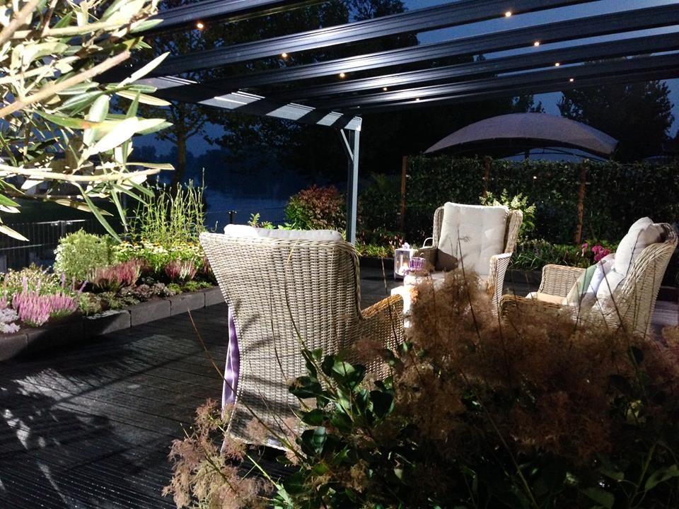 terrado terrasoverkapping met gentegreerde zonwering en led verlichting