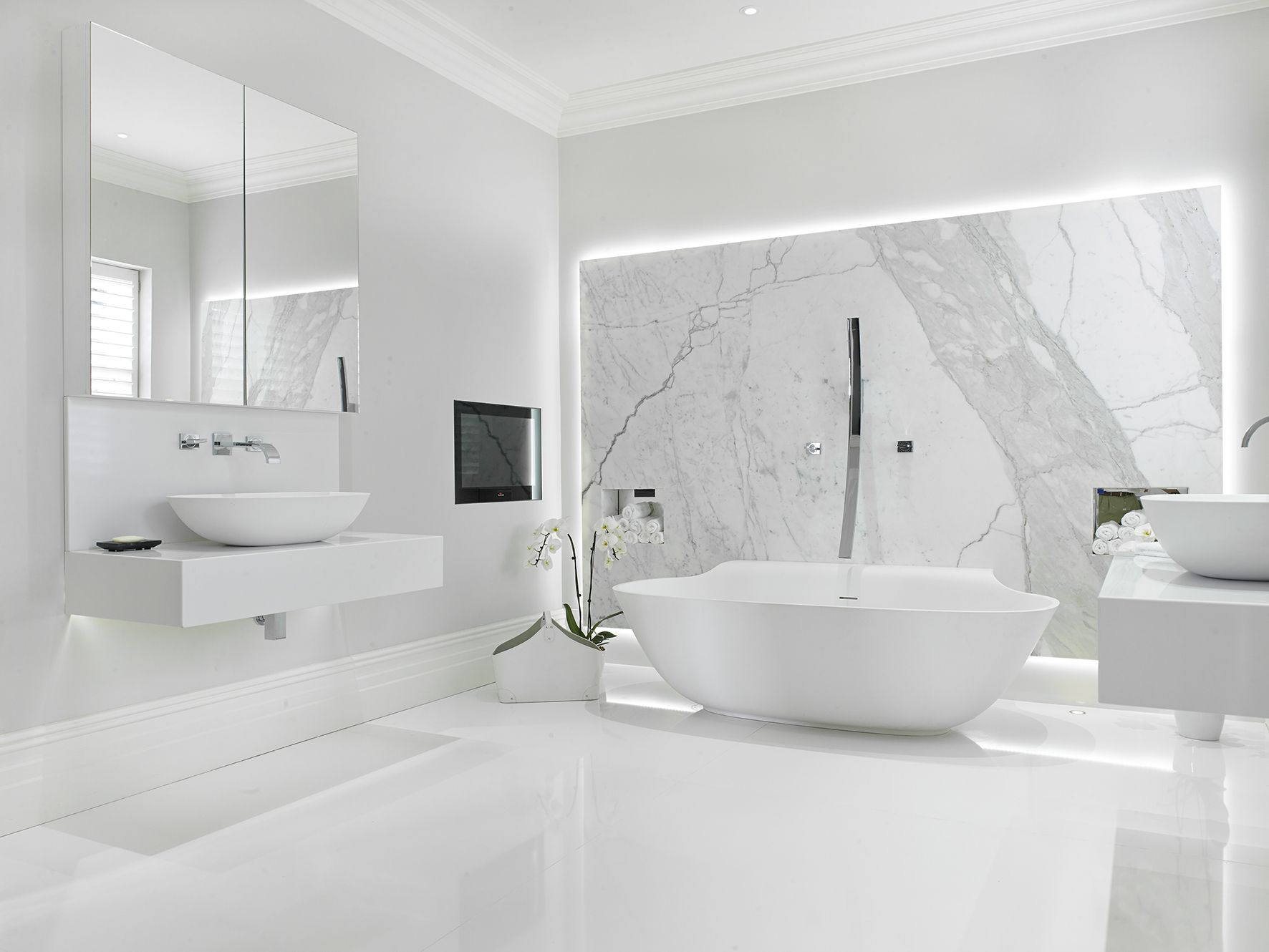 Ultimate Luxury Is Personified In This Serene White Bathroom Featuring