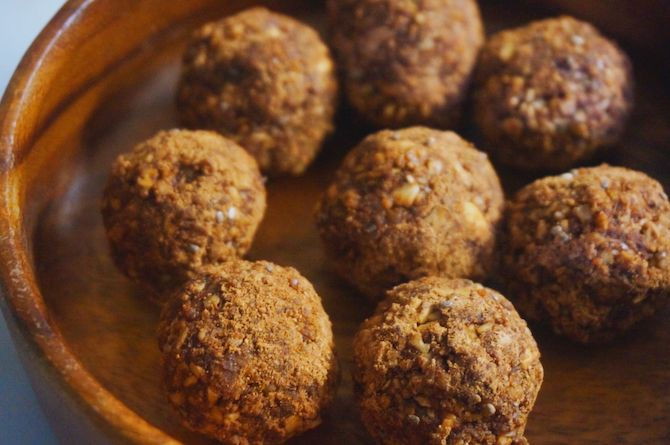 Protein Cacao Snack Truffles - by A New Life Wandering