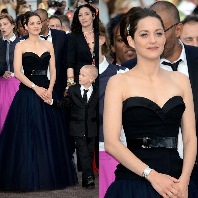Com os ombros à mostra, Marion Cottillard demonstrou elegância no Festival Internacional de Cinema de Cannes, na quinta-feira (17). Veja mais fotos da atriz: http://glo.bo/LYi19V