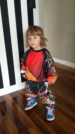 Niño moto cross