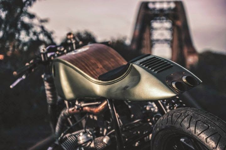Bmw Garage Amsterdam : Pin by le lesher on garage cafe racers bobbers