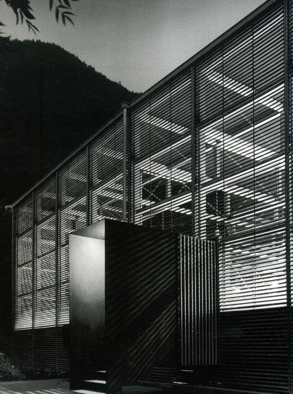 Tensão interior exterior, Peter Zumthor, Sítio arqueológico romano, Welschdörfli, Suíça, 1985/6