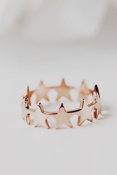Photo of dainty delecate ring for everyday wear. #stars #ring #everydayjewelry
