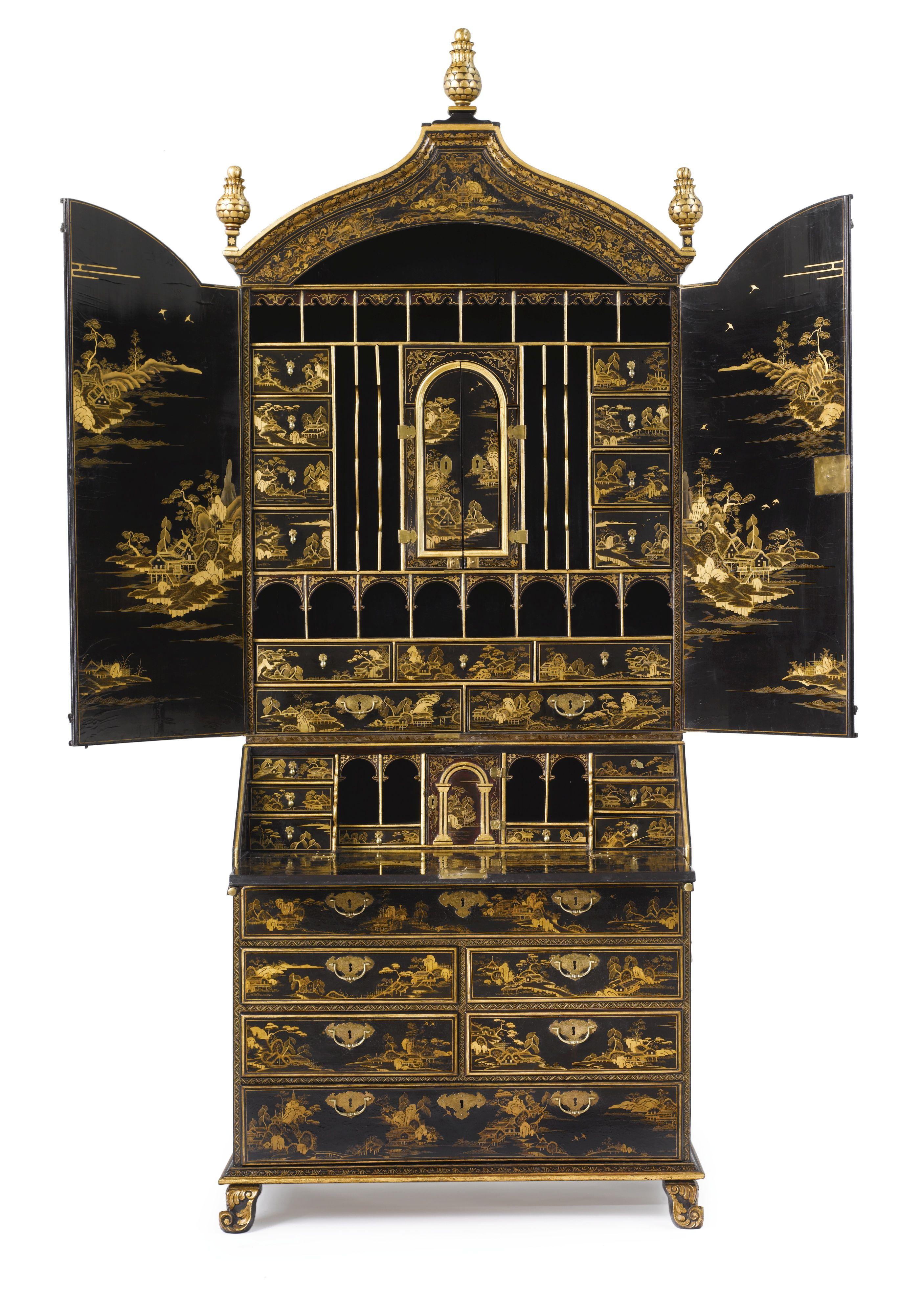 C1735 A Fine Chinese Export Parcel Gilt Black Lacquer Bureau Bookcase Cabinet Circa 1735 Estimación