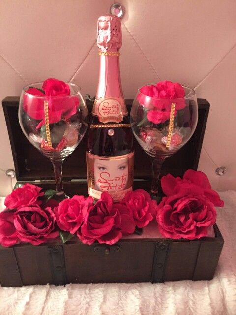 Wine Basket Diy Mothers Day Gifts Diy Mother S Day Gift Basket