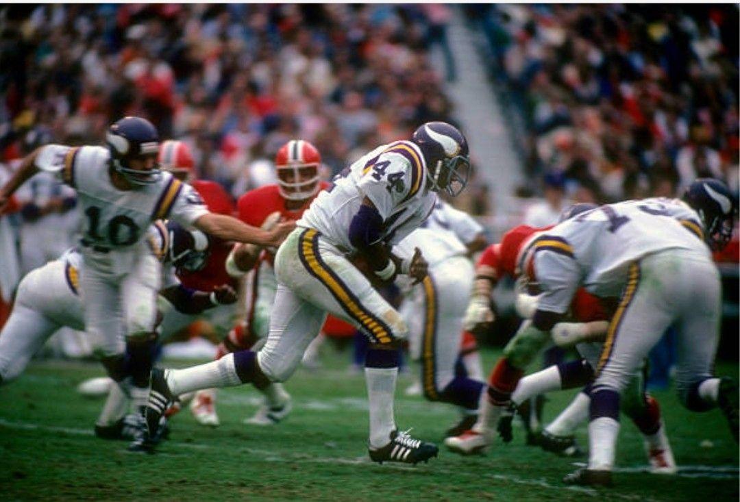 Pin By Jozvikes On Minnesota Vikings In 2020 Nfl History Football Football Helmets