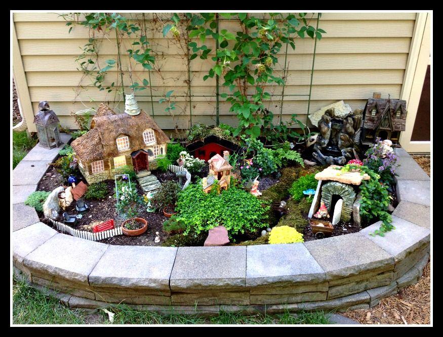delightful garden makes ingenious use of