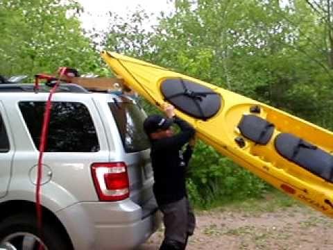 Kayak Loader For Suv S Hobbit Roller In Use For Those Diy Ers Kayaking Kayaking Locations Tandem Kayaking