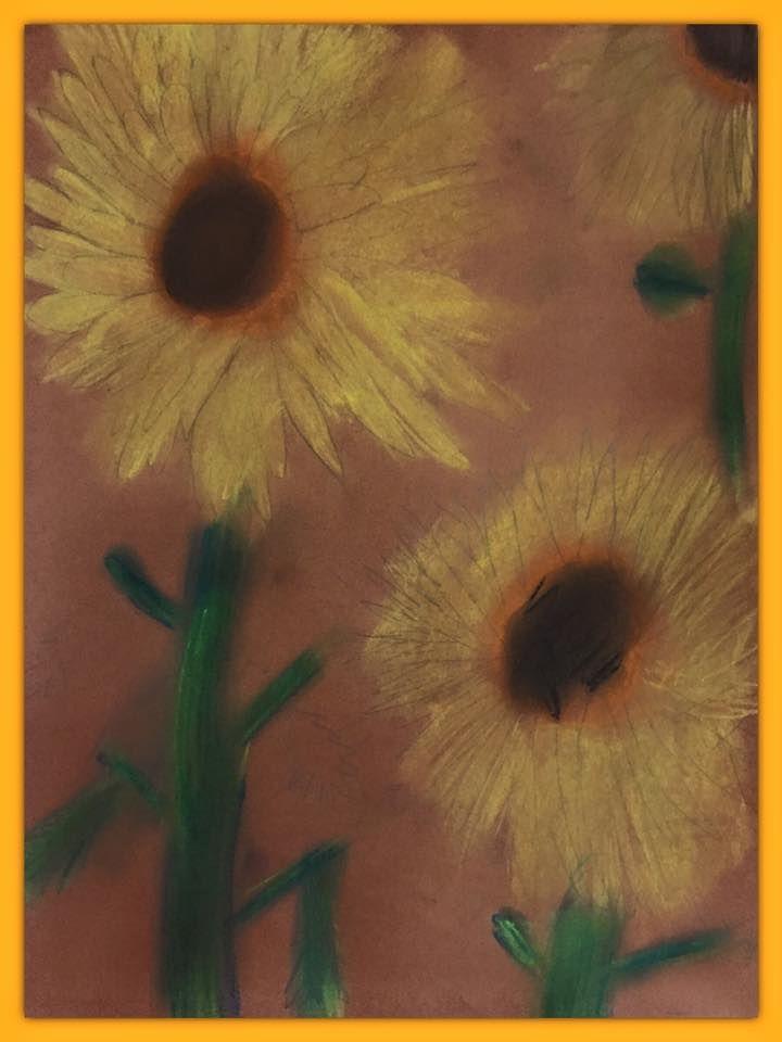 Auringonkukkia pölypastelleilla (1.-2.lk). Alkuopettajat FB -sivustosta / Eeva Hiltunen
