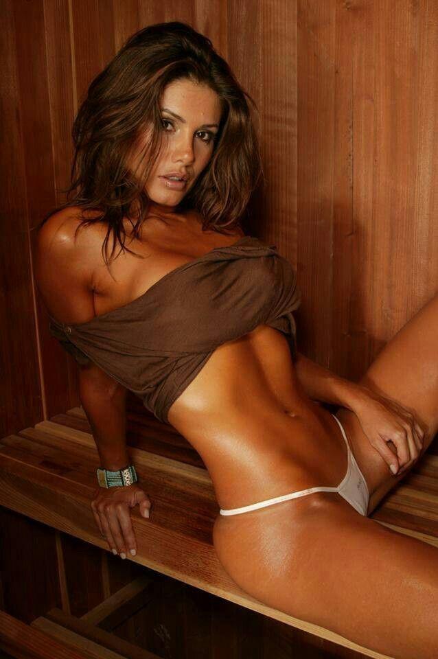 Hot girl in sauna — photo 6