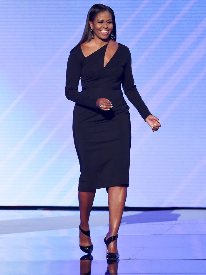 Michelle Obamas Shoes Are So Perfect For Her Striking Outfit