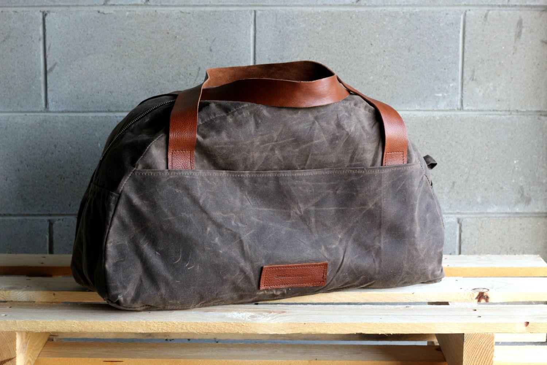 eb25b76a09 Waxed canvas weekender bag - overnight bag - waxed canvas traveller bag -  mens bag - duffle bag - waxed canvas bag - weekender bag by  Creazionidiangelina on ...
