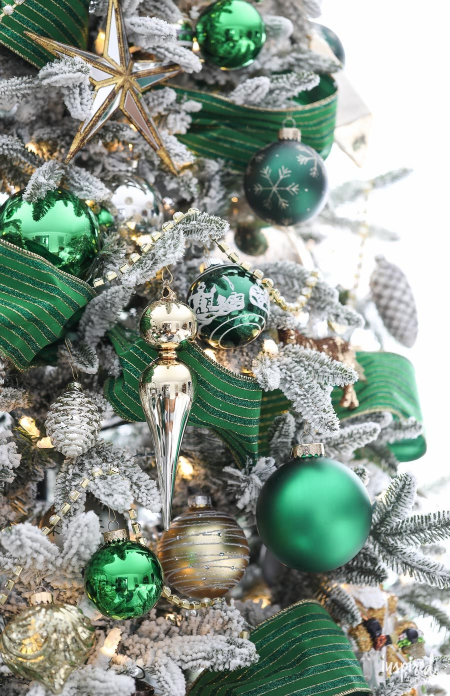 A Christmas Tree Fit For The Emerald City Emerald Green Christmas Tree Christmas Chir Green Christmas Tree Decorations Green Christmas Tree Green Christmas